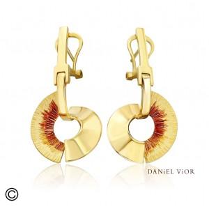 Daniel Vior zilver vergulde oorsieraden model Apoaxis met rode emaille - 210558