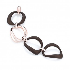 Marcello Pane fantasie armband bestaande uit een combinatie van zilveren schakels rosé verguld en bruin gevulkaniseerde rubberen schakels; ca 20 cm - 212473